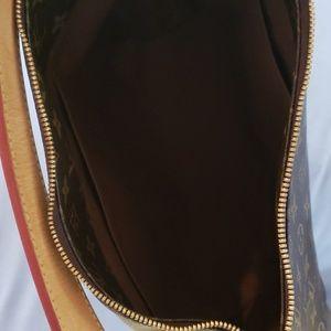 Louis Vuitton Bags - AUTHENTIC Louis Vuitton hobo bag